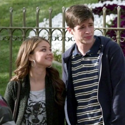 sarah-hyland-nintendo-ds-interview-matt-prokop-modern-family (1)